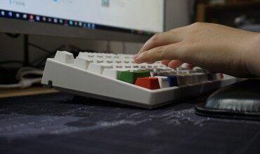颜值手感两相宜 触摸碰击撩人心--ikbc机械键盘