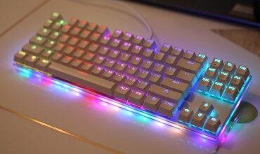 摩豹K87s上手体验:一款水晶般透彻的机械键盘