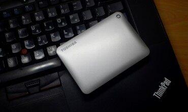 读写性能均衡稳定、可自动备份的东芝V8 CANVIO移动硬盘