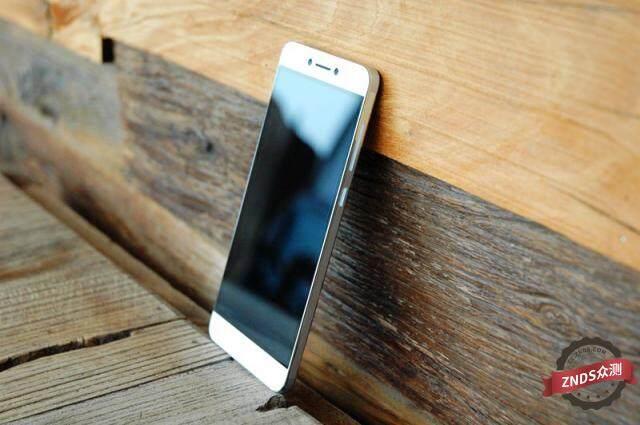 被誉为最强的千元双摄手机 - cool1 dual手机评测
